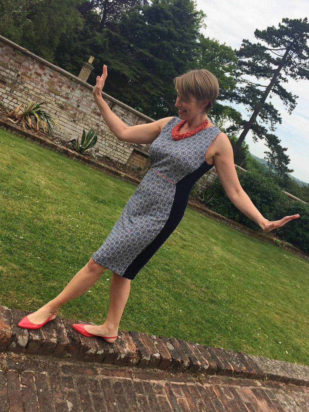 Shelley Kelly wearing Sainsbury dress in Uni of Exeter grounds