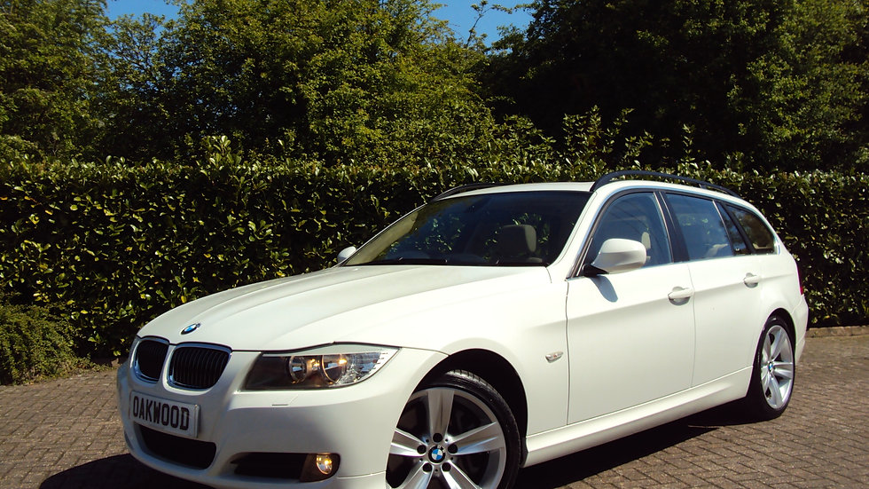 2009 BMW 330 3.0i SE Manual Touring