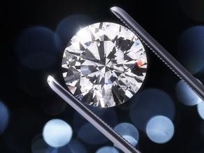 The Great Debate: Lab-Created vs Mined Diamonds. Does Origin Matter?