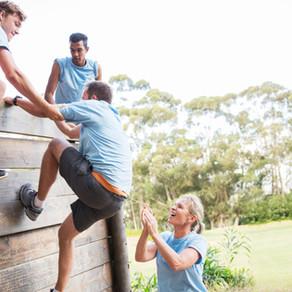 Estrategia, espíritu de equipo y personal en desarrollo