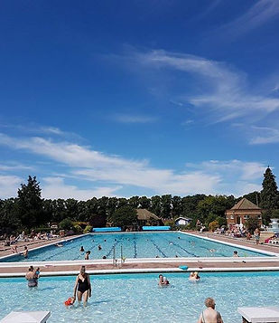 hitchin pool.jpg