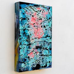 pink dg blue dg 15x10-00288