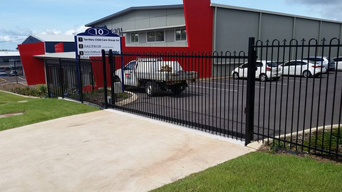 17352257_1358013737590373_50314175652558pool-fencing, fencing, industrial-fencing, electric-gate, automation, security-fencing, darwin, fencing-contractor