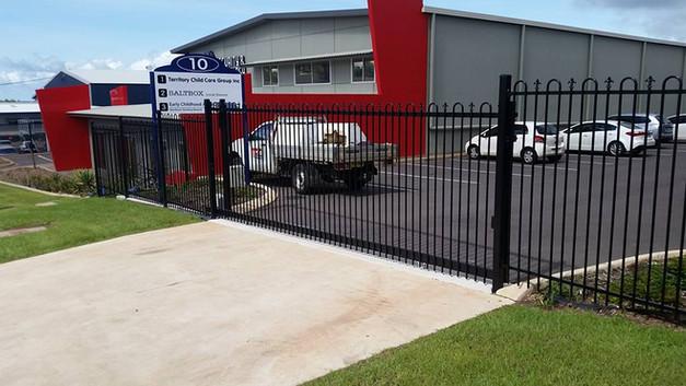 17352257_1358013737590373_50314175652558pool-fencing, fencing, industrial-fencing, electric-gate, automation, security-fencing, darwin, fencing-contractor