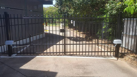 24174447_1617260951665649_44396584338551pool-fencing, fencing, industrial-fencing, electric-gate, automation, security-fencing, darwin, fencing-contractor