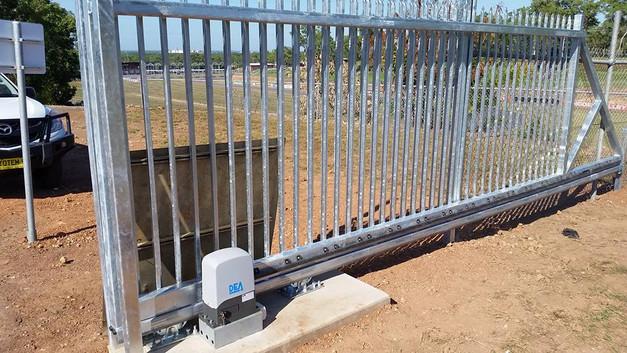 19756339_1485560048169074_61460901581506pool-fencing, fencing, industrial-fencing, electric-gate, automation, security-fencing, darwin, fencing-contractor