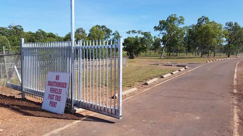 18424070_1417455471646199_58872577116245pool-fencing, fencing, industrial-fencing, electric-gate, automation, security-fencing, darwin, fencing-contractor