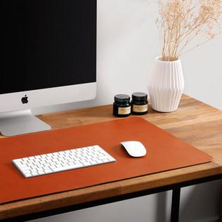 leather-desk-mat-cognac-2_1ff81621-6d76-