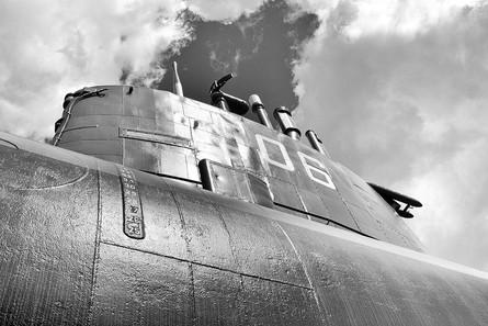 Sottomarino a spasso tra le nuvole
