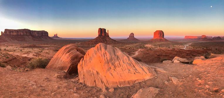 Monument Valley at sunset, Arizona