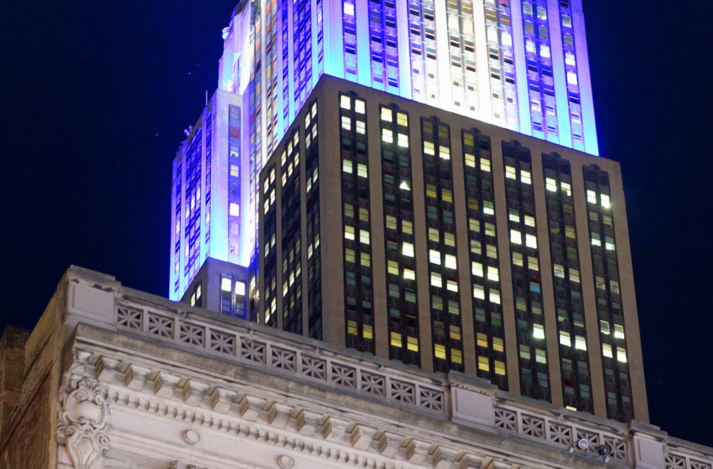 Night colors of Empire State Building