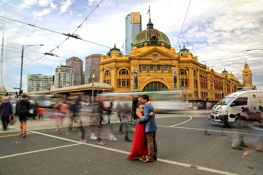 Flinders street station, Melbourne Engagement or prewedding photo and video,piccadilly studios, piccadilly wander, melbourne prewedding photos, melbourne prewedding video. melbourne engagement photo, melbourne engagement video,melbourne prewedding videographer