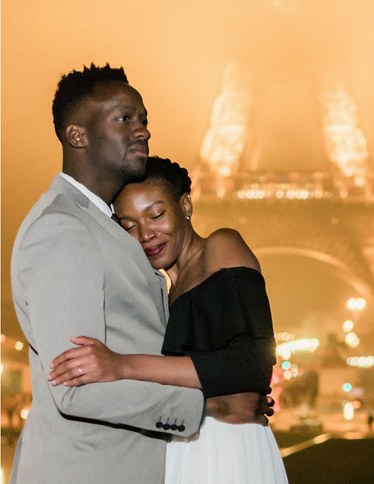 Paris prewedding photo and video at night in winter. Location shoot at the trocadero in Paris,destination wedding videographer, Paris prewedding videos,Paris prewedding photos, Paris Elopement photos