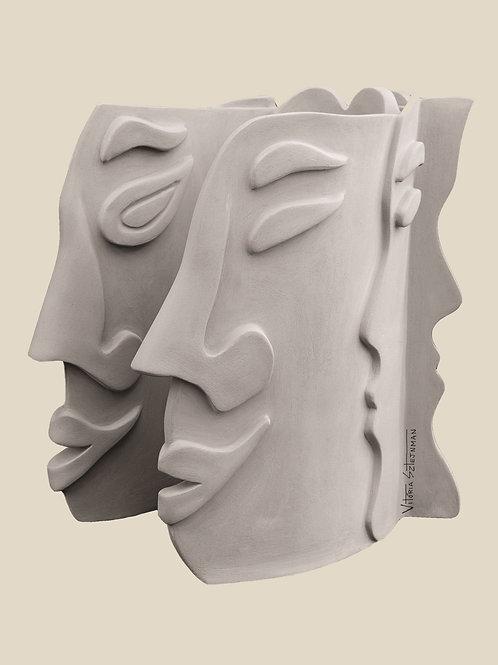 VITÓRIA SZTERJNMAN Série We Are Continents Fotografia Escultura em Cerâmica