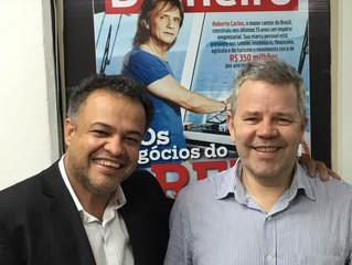 Claudio Gatti e Milton Gamez (Diretor de Redação da revista Istoé Dinheiro)