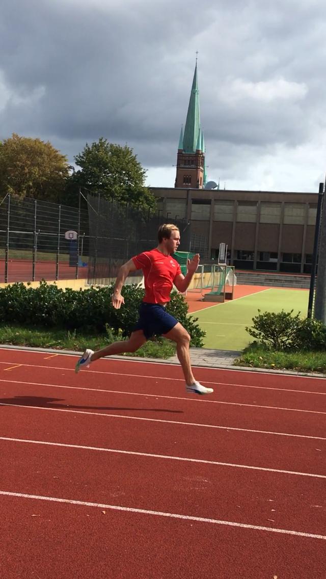 Jonas sprintet seinem Fettstoffwechsel davon