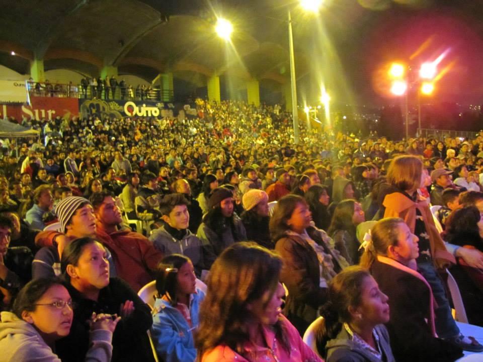 Público Velada Livertaria 2013