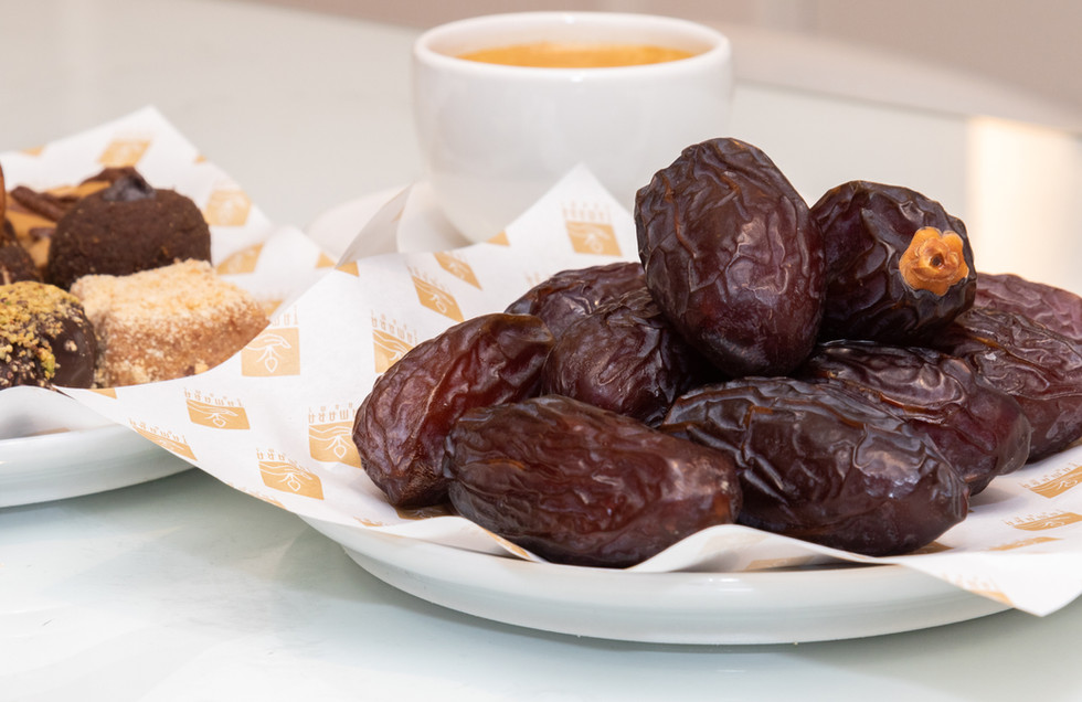 Plain dates with coffee