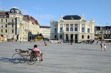 zurich-opera-house-2213737_640.jpg
