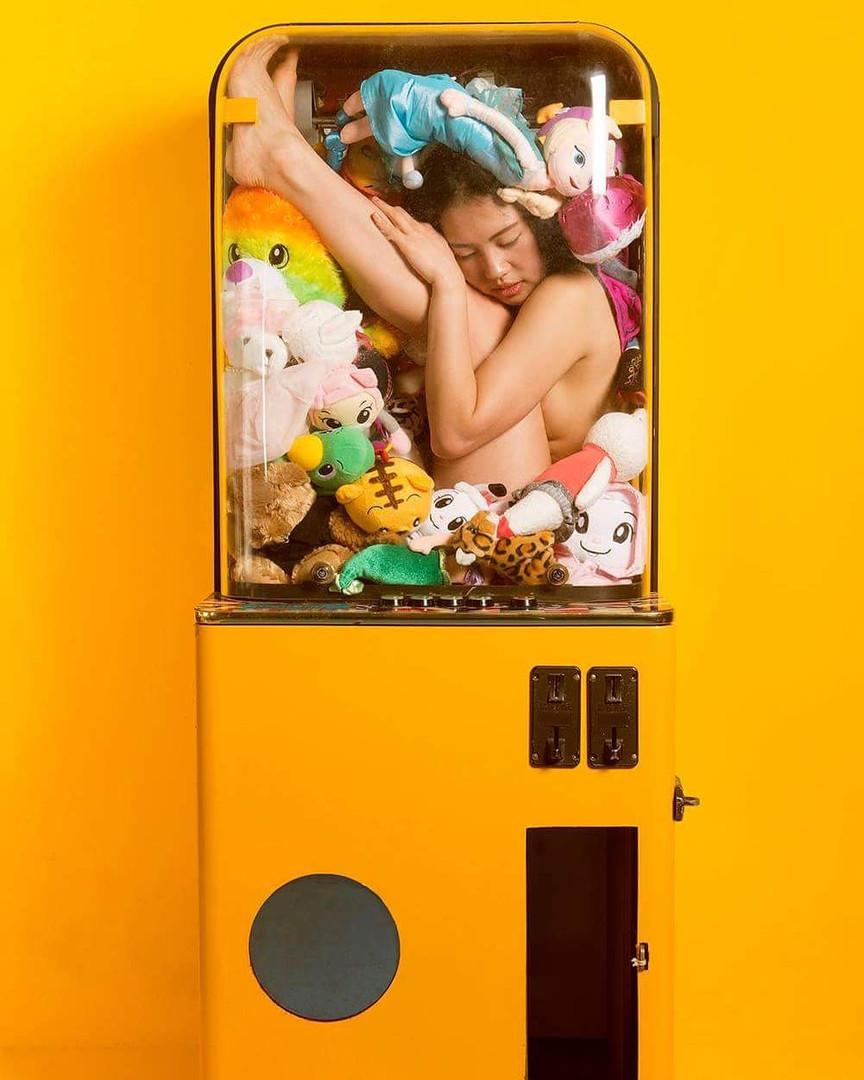 Yellow Toy Claw Crane machine 黃色夾娃娃機 201