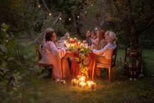 Elonkorjuujuhlat puutarhassa
