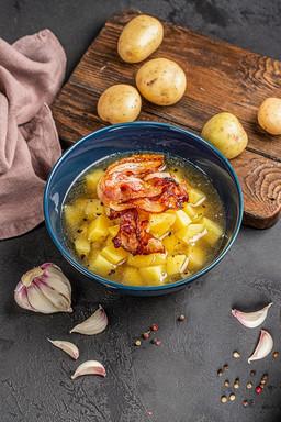Bramborová polévka z Mrákova
