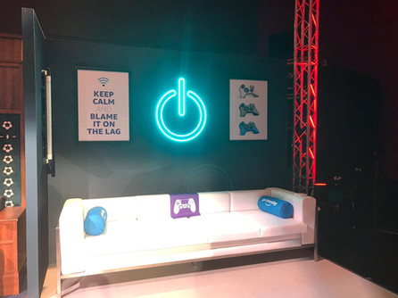 Amazon-Twitch Event Streamer Sofa