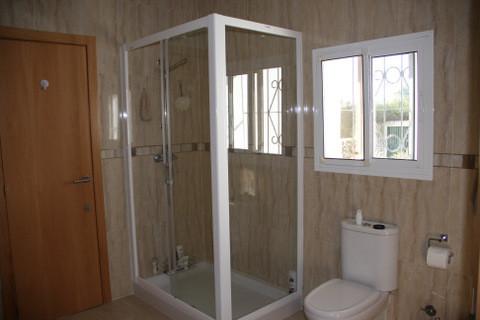 sylviabathroom.jpg