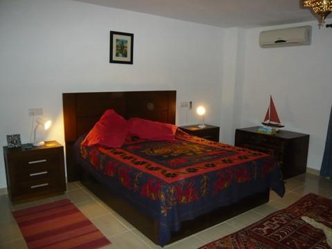 sylviabedroom1.jpg