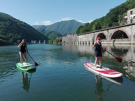 _Naviga sul fiume a Firenze