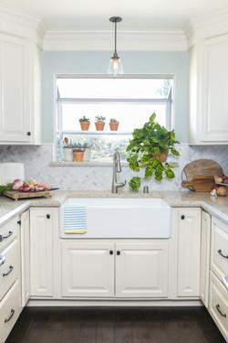 White Small Kitchen Barn Sink