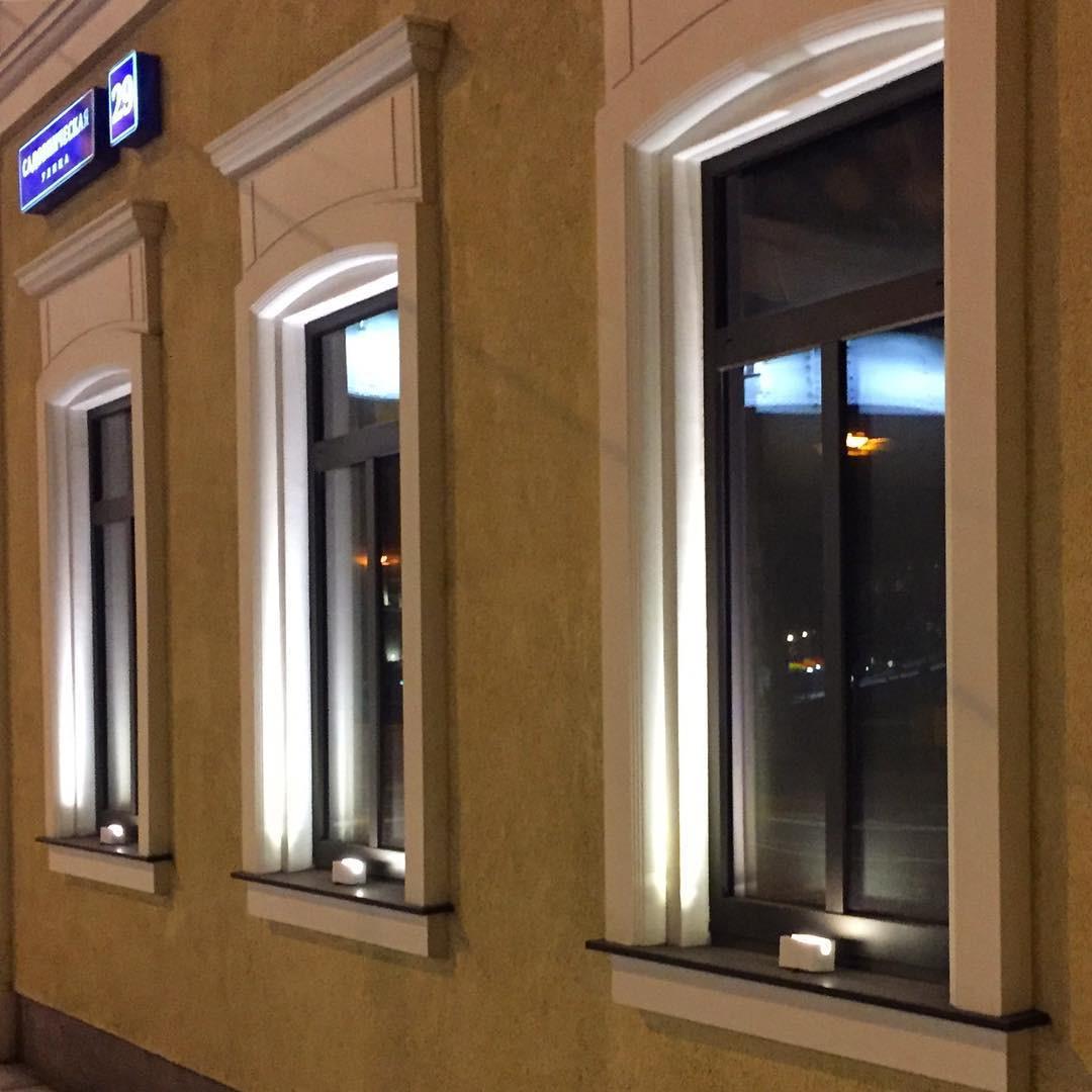 Выделение фасада с помощью светильников наружного освещения   Certus Lighting