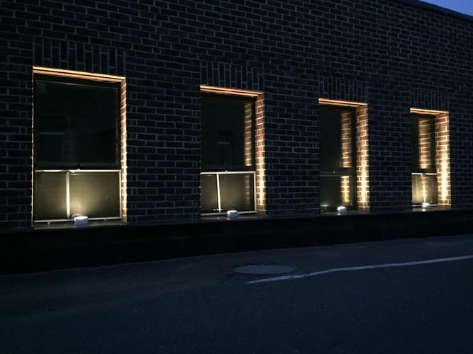Наружные светильники для освещения фасада БЦ | Certus Lighting