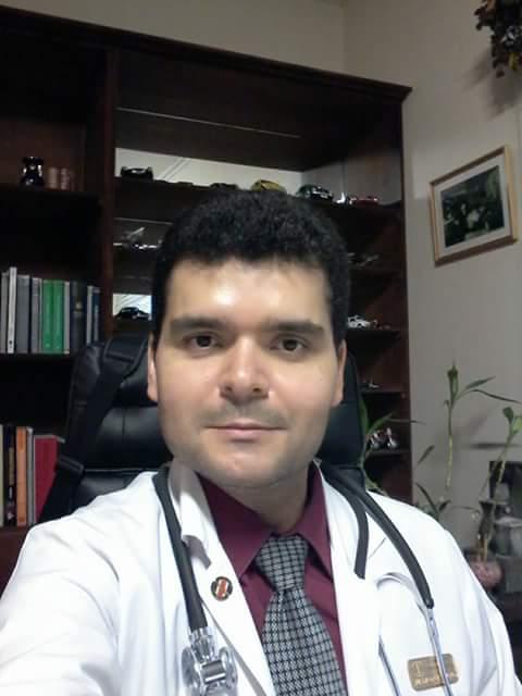 Dr. Mauricio José Santamaría Lamicq.