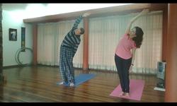 Clase de Yoga Integral fig.2.
