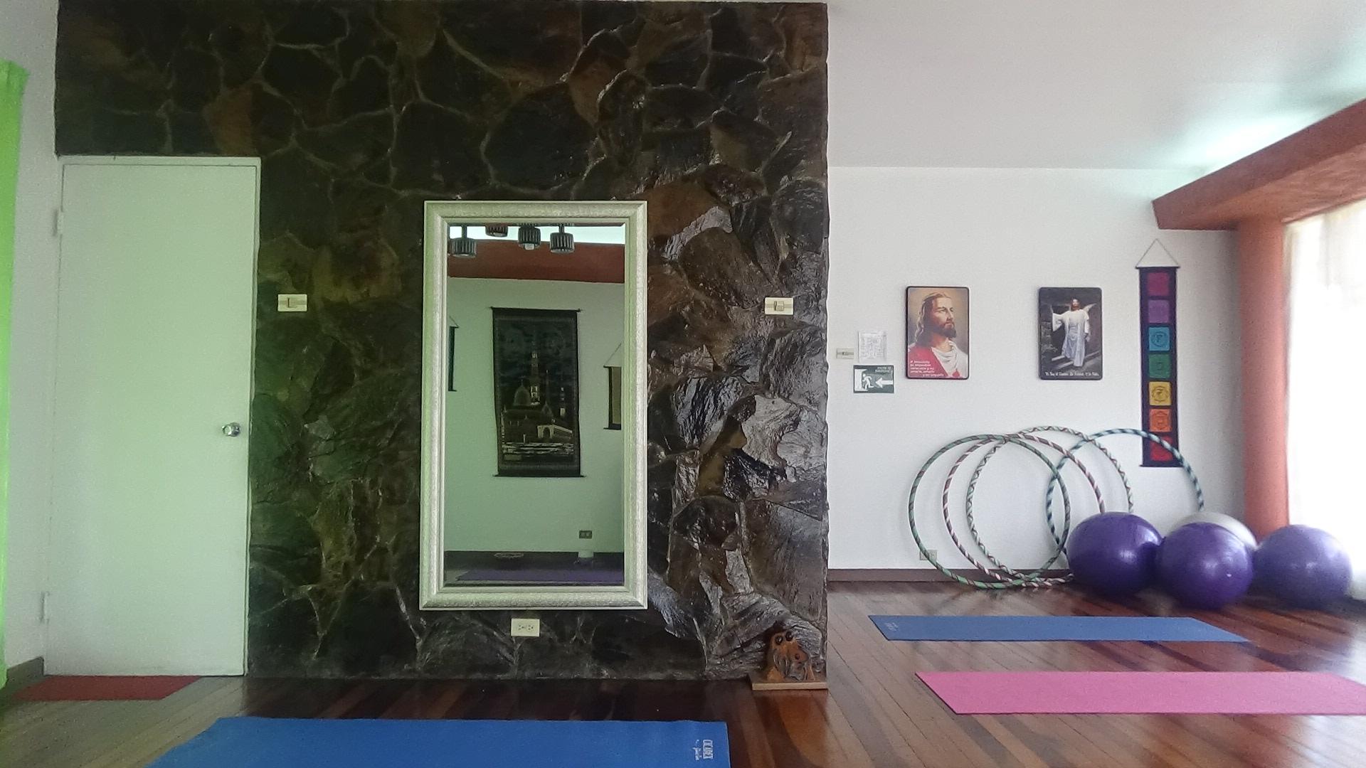 Salón de Yoga fig.2.