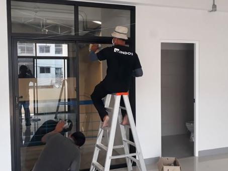 ผลงานติดตั้งประตูอะลูมิเนียมและหน้าต่างอะลูมิเนียม โรงงาน HAZEL & AZURE