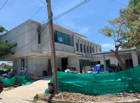 ผลงานติดตั้งประตูอลูมิเนียม หน้าต่างอลูมิเนียม บ้านหรู YT House โครงการหมู่บ้านวินด์มิลล์พาร์ค
