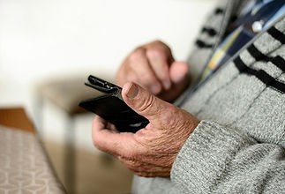 Frequent internet use by older people during lockdown linked to mental health benefits