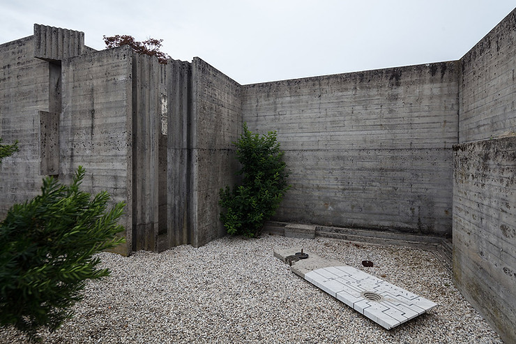 Scarpa's grave site. He was apparently buried standing up, wrapped in linen like a medieval knight. Photo ©Darren Bradley