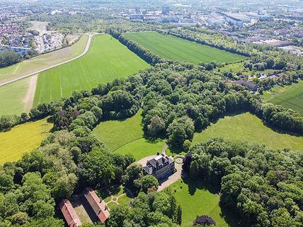 Photo aérienne parc et château de Bétange avec allée des Marronniers crédit château de Bét