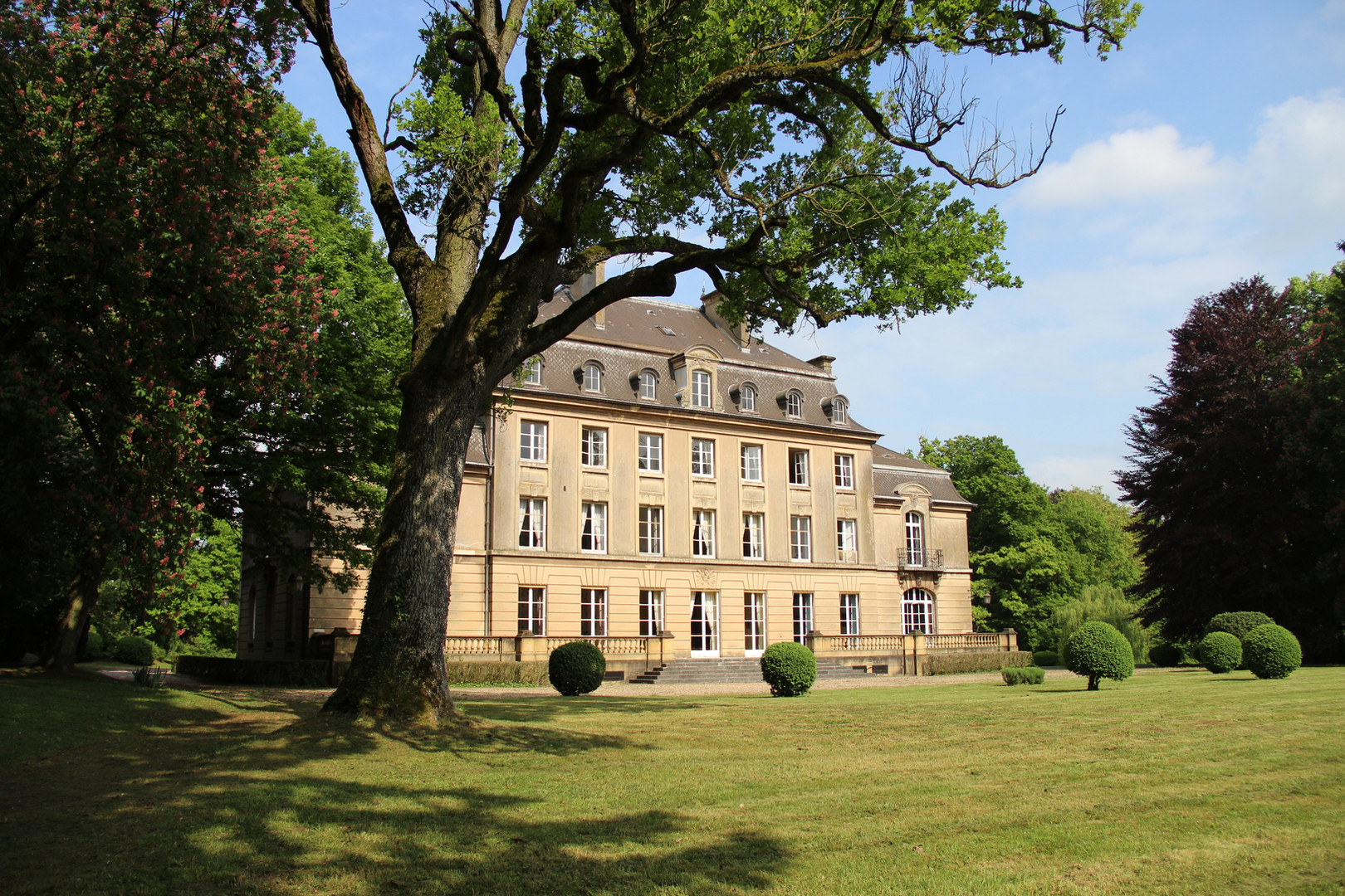 Château de Bétange côté étang