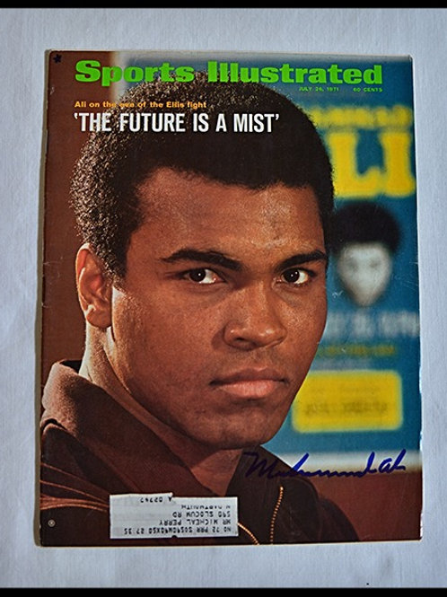 Muhammad Ali signed Sports Illustrated (Deceased)