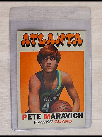71 Topps Pistol Pete Maravich card
