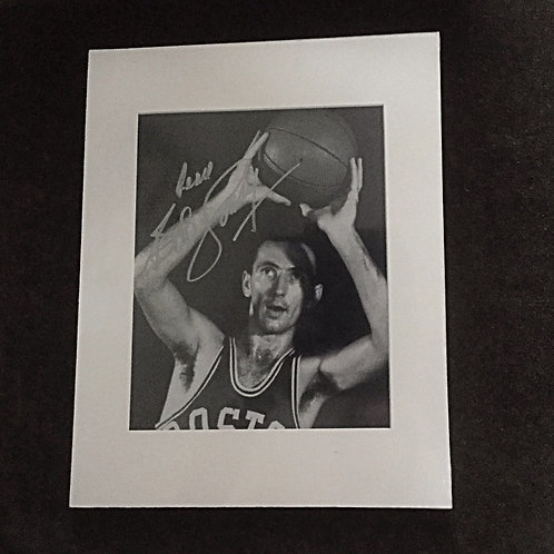 Bob Cousy signed 8x10