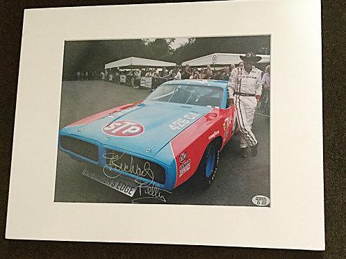 Richard Petty signed 8x10