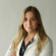 foto perfil_Helen Gianareas_bata blanca.