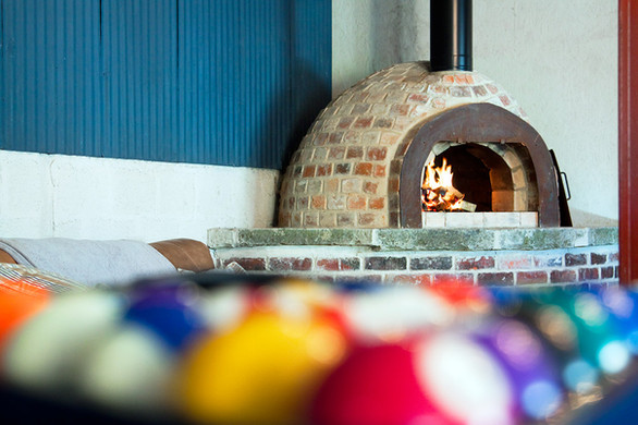 Pizza Oven, Playroom