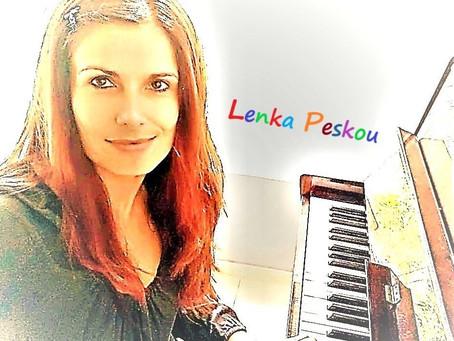 Τραγουδάμε με τη Λένκα Πέσκου!
