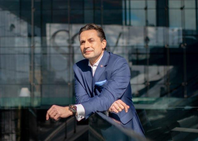 Holger Thorsten Schubart, CEO Neutrino Energy Group